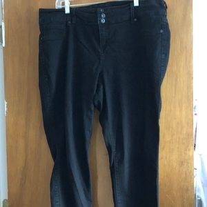 Torrid Black wash jeggings size 22 short